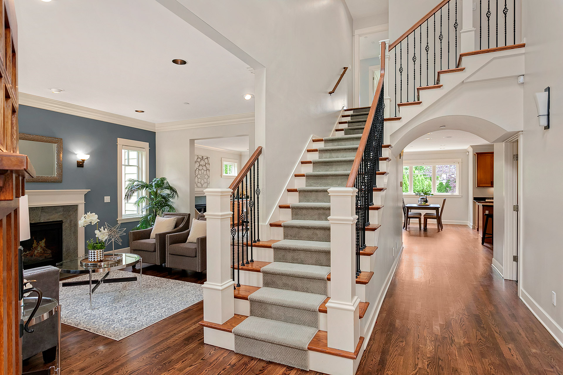How to Photograph Entrances and Staircases for Real Estate